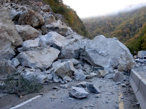 ncdot-rock_slide-i40